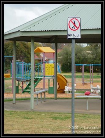 Spielplatz mit Golf-Verbot