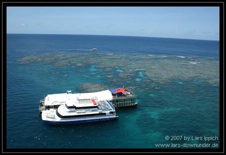 Marine World: Katamaran und Ponton